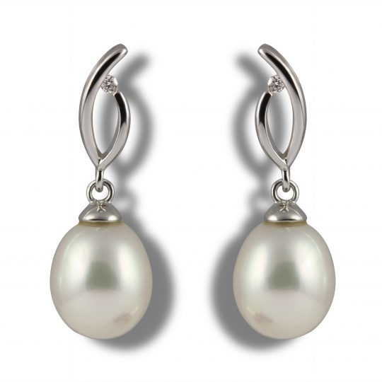 18ct White gold Mikimoto stud Earrings