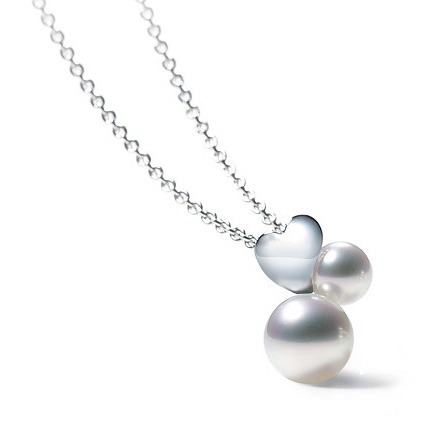 18ct White gold Mikimoto Pearl Necklace
